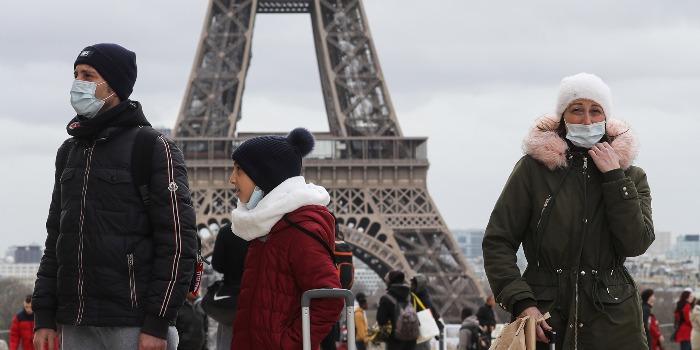 Задолжителни маски за децата од шест години во Франција