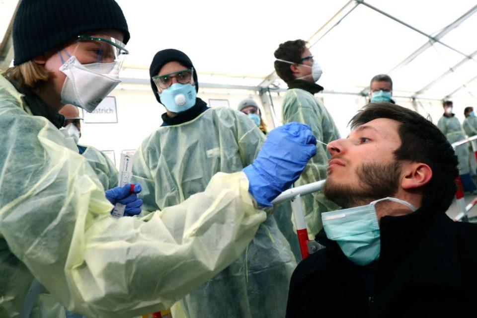 Во Германија стапува во сила задолжително тестирање за сите кои се враќаат од ризични зони