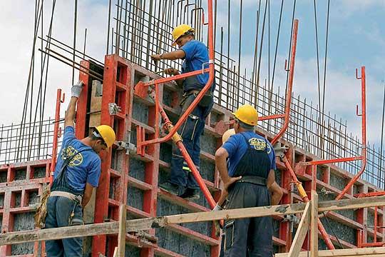 Драстичен пад на бизнисот на домашните градежни компании во странство