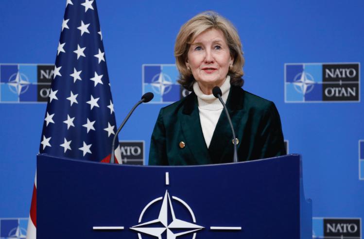 Хачинсон: Горди сме што ја имаме С. Македонија како сојузник во НАТО