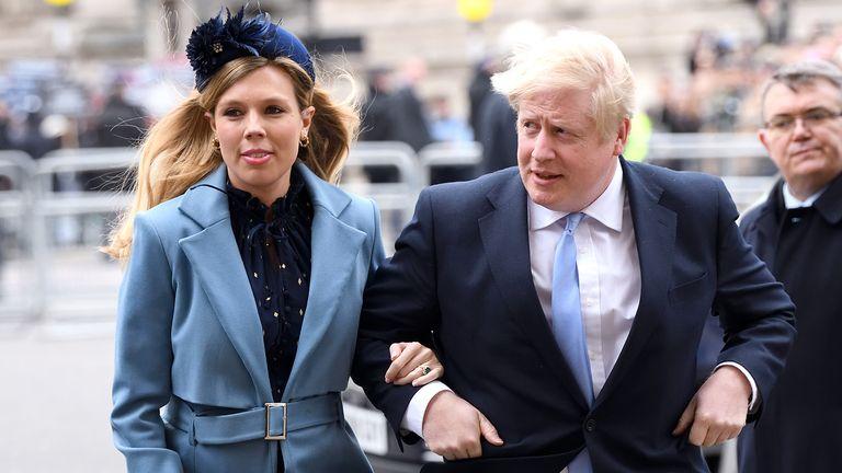 Бремената свршеница на Борис Џонсон има симптоми на корона вирус