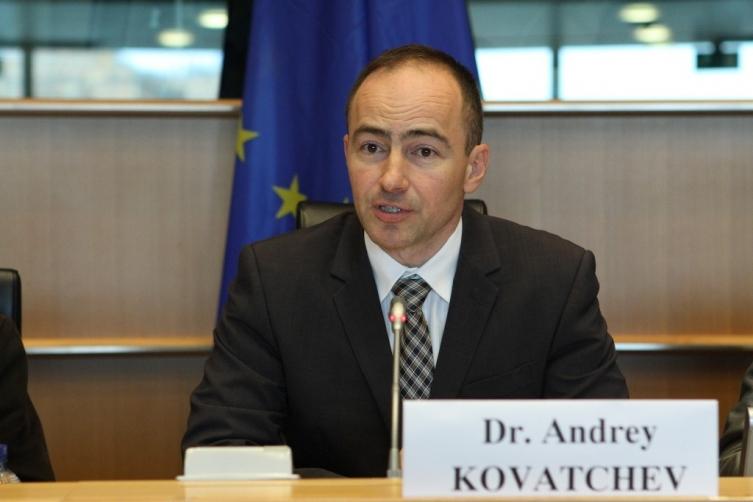 Ковачев кон Пендаровски: Нивото продолжува да ви паѓа