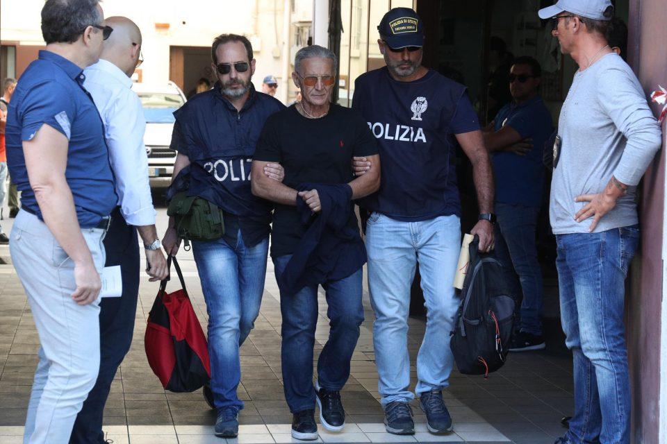 """Пандемијата не ја запира борбата со мафијата: Во Италија уапсени девет лица поврзани со """"Камора"""""""