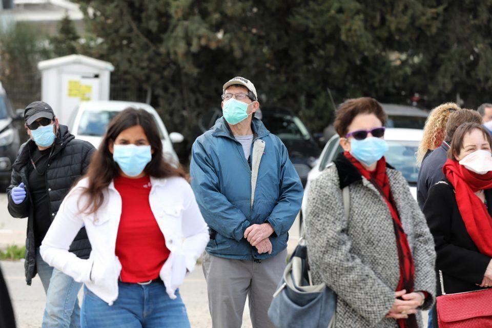 СЗО со нова препорака: Заштитните маски да се носат и на јавни места