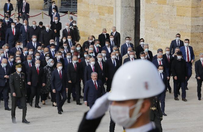 Турција ја чествува 100-годишнината од реформите на Кемал Ататурк