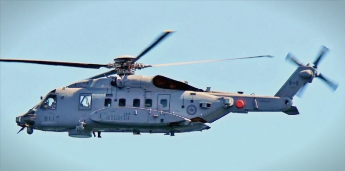 (ВИДЕО) Воен хеликоптер на НАТО падна во морето меѓу Грција и Италија