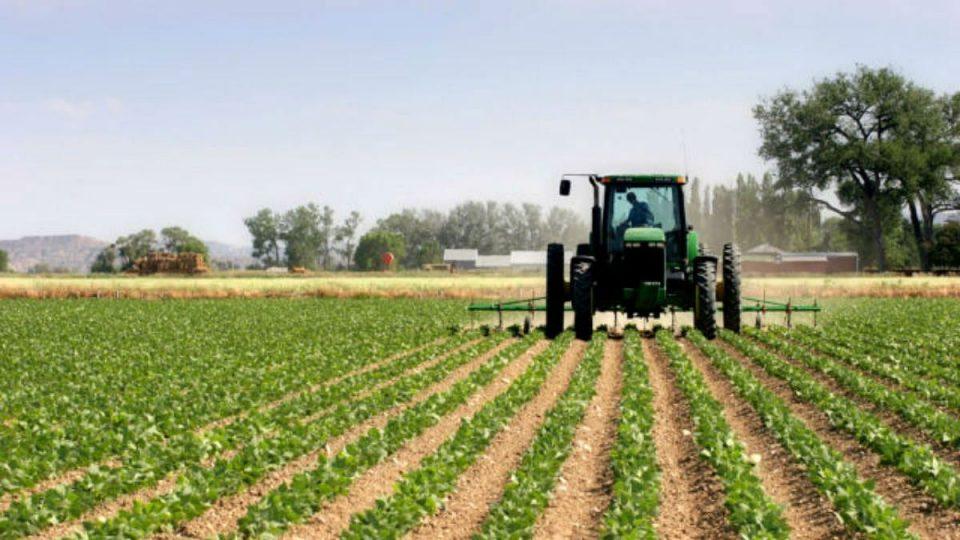 Земјоделците ќе можат да работат на нивите во атарот на своето село, за надвор од селото ќе треба дозвола