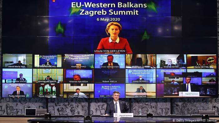 Бугарија по стапките на Грција: Македонија во ЕУ без македонски јазик и со диктирана историја