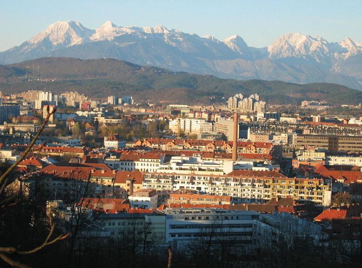 Словенија враќа дел од рестрикциите поради новите случаи со коронавирусот