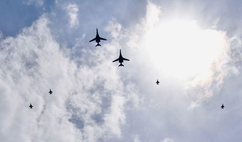 (ВИДЕО) Руски ловци ги пресретнале американските бомбардери што прелетаа над Скопје