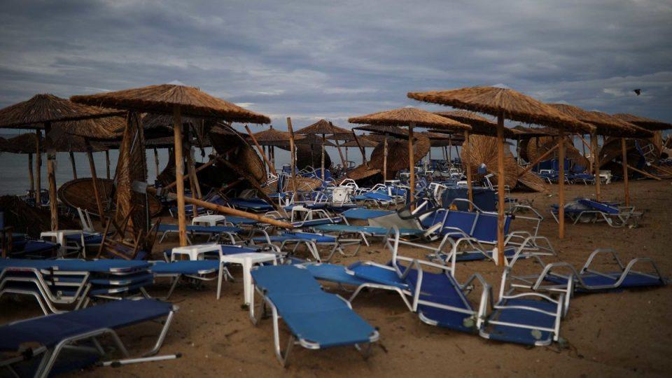 (ВИДЕО) Силно невреме во Грција