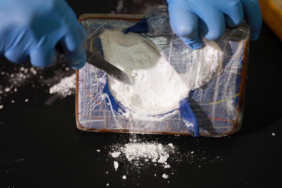 Кавадарчанец доби кривична, при претрес на куќата му пронашле марихуана и кокаин