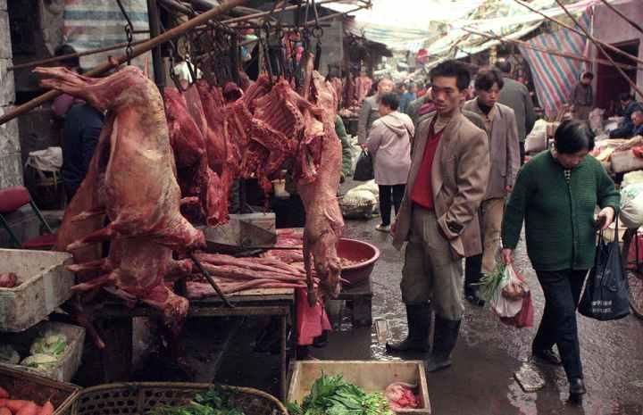 СЗО ќе истражува каква улога имал пазарот во Вухан при избувнувањето на пандемијата