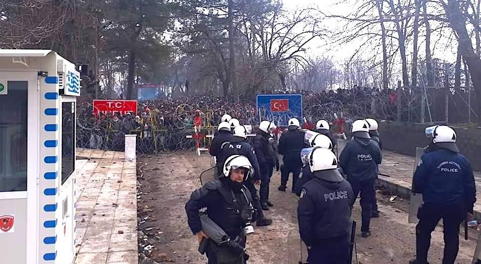 Грција ќе распореди 400 полицајци на границата со Турција кај Еврос