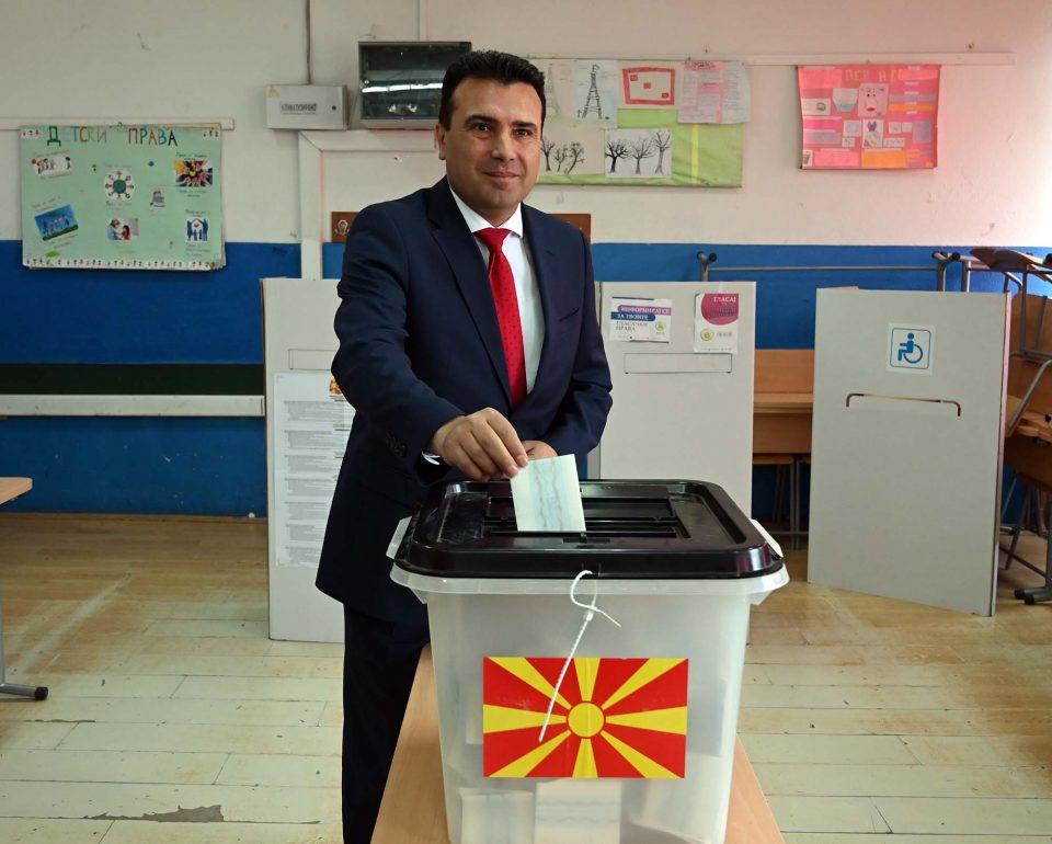 Заев за брзи избори: Сам против граѓаните, меѓународната и партнерите