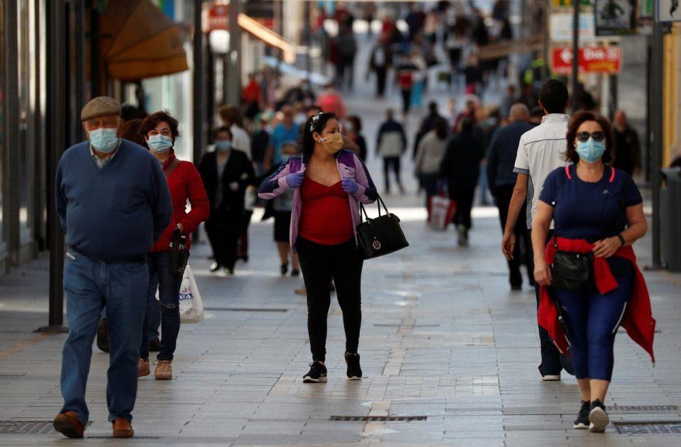 Шпанија во јули ќе ги отвори границите за туристи