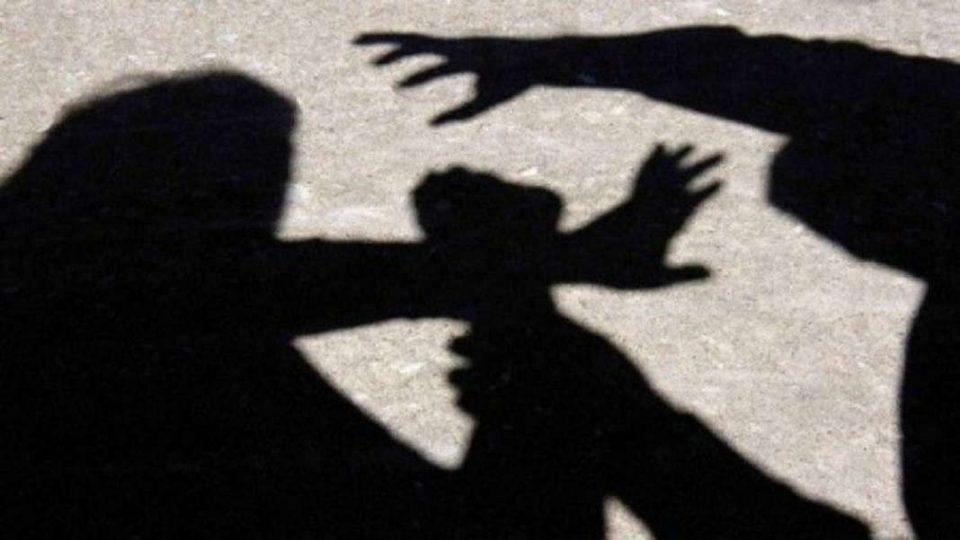 Крадец физички нападнал минувачи што го спречиле да избега