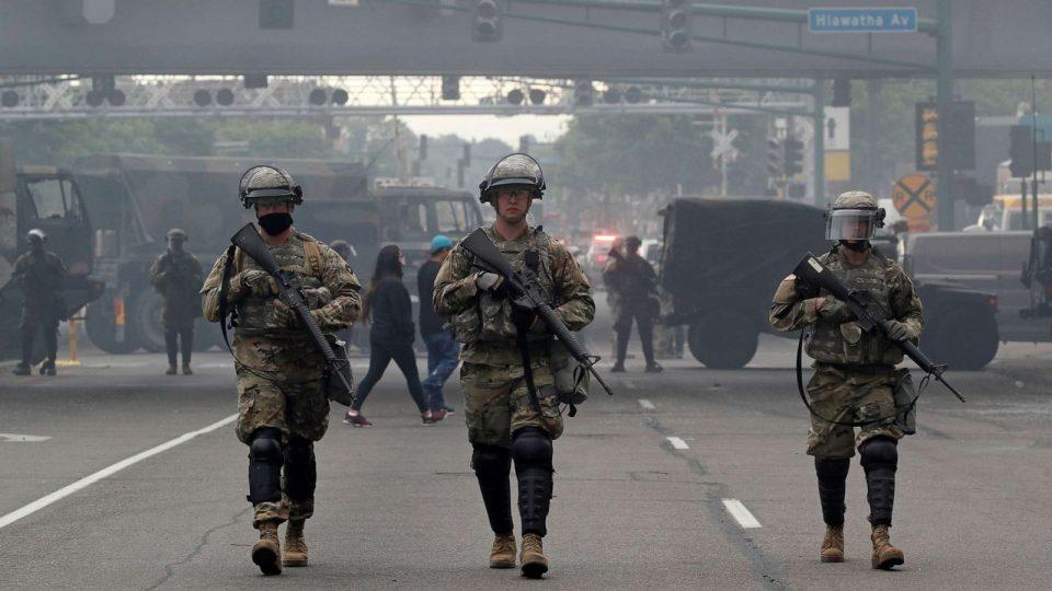 САД ја ангажира војската поради насилните протести во Минеаполис