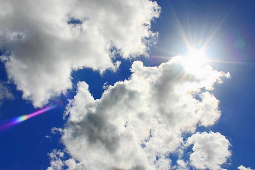 Сончево со мала облачност, попладне дожд