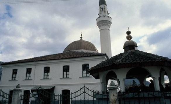 Поради Ковид-19 затворени 8 џамии во Кичево, заболен е и имамот