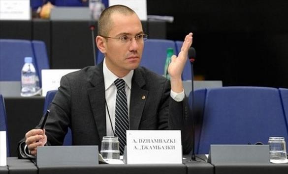 Бугарскиот поет Милчев: Гледајќи го лажниот патриот Џамбаски, ми доаѓа да емигрирам во Скопје!