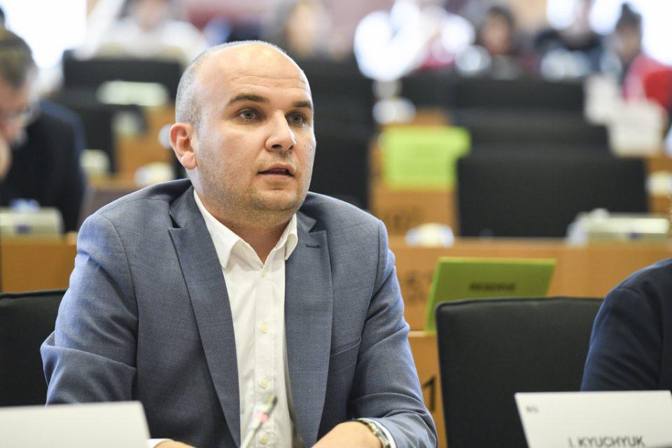 Ќучук: Политичките чинители да се договорат датум за избори