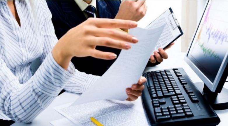 Груби ги зголеми платите на административците со средно образование
