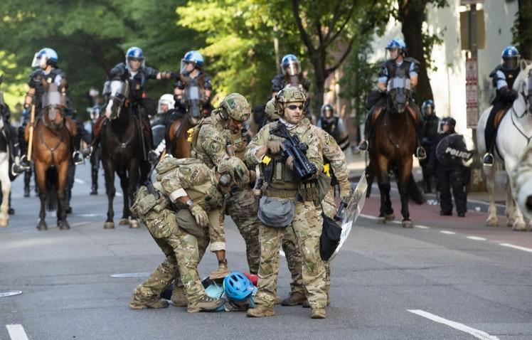 Во Вашингтон распоредени 1.600 американски војници во зголемена готовност