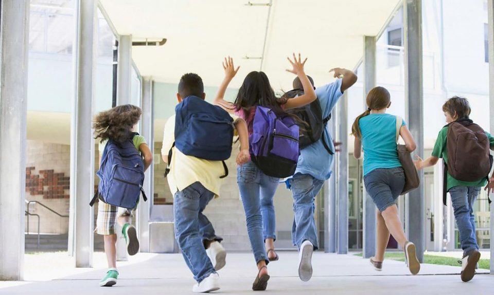 Објавени протоколите за физичка настава, училиштата ќе работат од 7 до 20 часот
