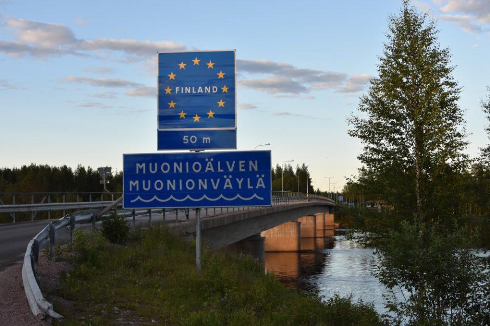 Финска ги отвора границите со соседите, освен со Шведска