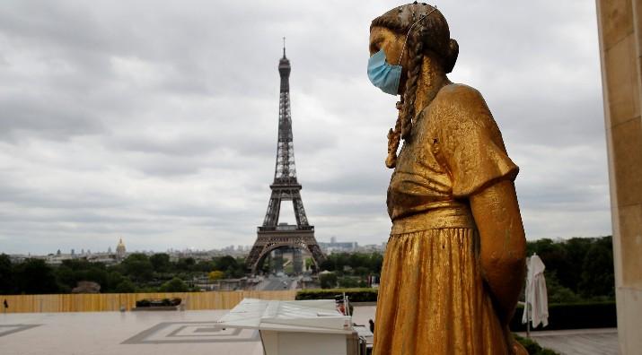 Музеите, кината, театрите и спортските објекти во Франција нема да доживеат никакво олеснување