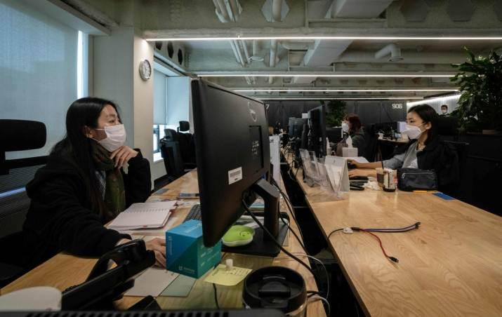 Да се внимава на канцелариите при враќање на работа: Непроветрени простории се опасност за зараза