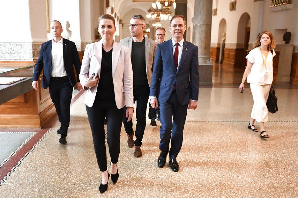 Државата поважна од личните интереси: Данската Премиерка вторпат ја одложи венчавката