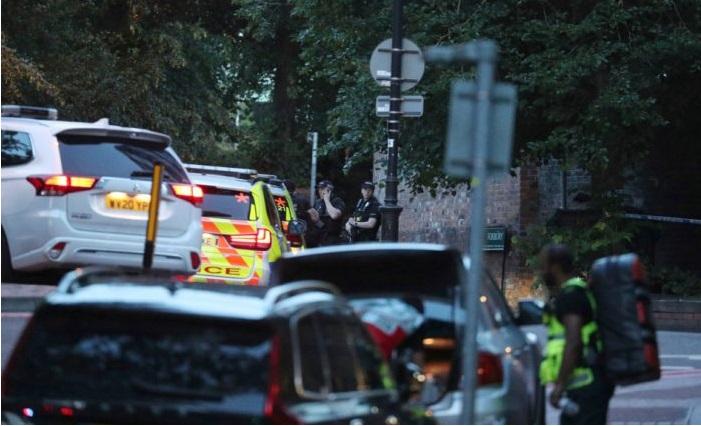 Напад во Англија: Tри лица се убиени а тројца се повредени