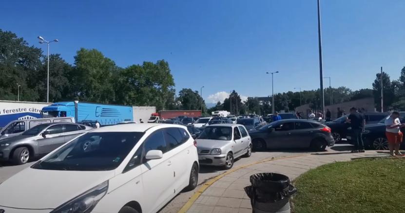Српските туристи се враќаат од бугарско-грчката граница: Во Грција им е забранет влез до 30 јуни