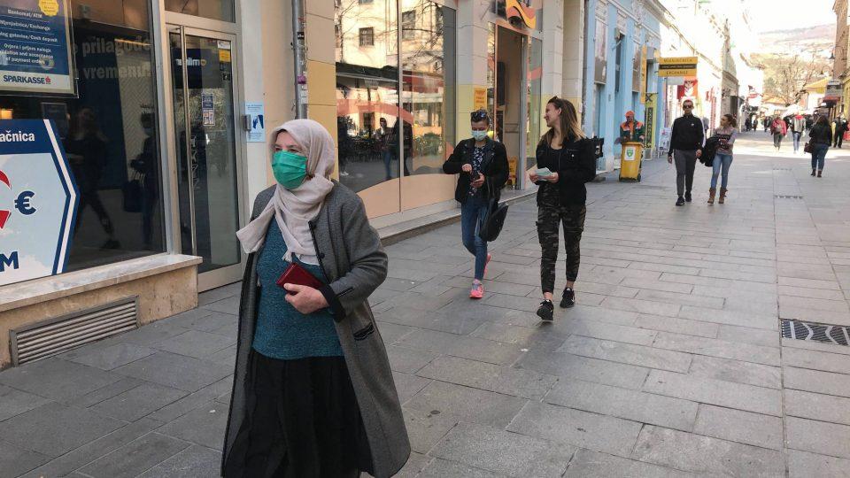Во Сараево предупредување поради енормно зголемен број новозаразени со Ковид-19