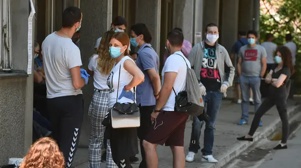 Србија ги затвора ноќните клубови: Се разгледува и ограничување на работата на рестораните