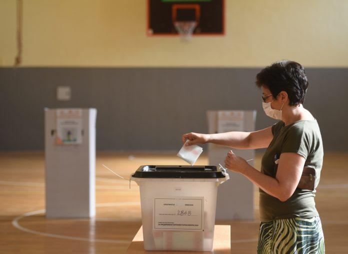 Во општина Маврово и Ростуше почна гласањето, отворени сите избирачки места