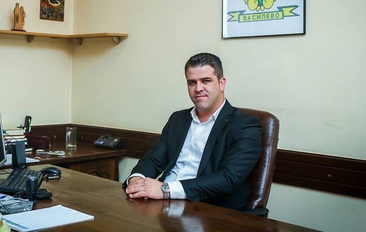 Определен притвор за градоначалник поради делење на предизборен поткуп!