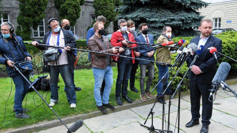 54 новинари од државната радио станица во Индонезија заразени со коронавирусот, тројца починале