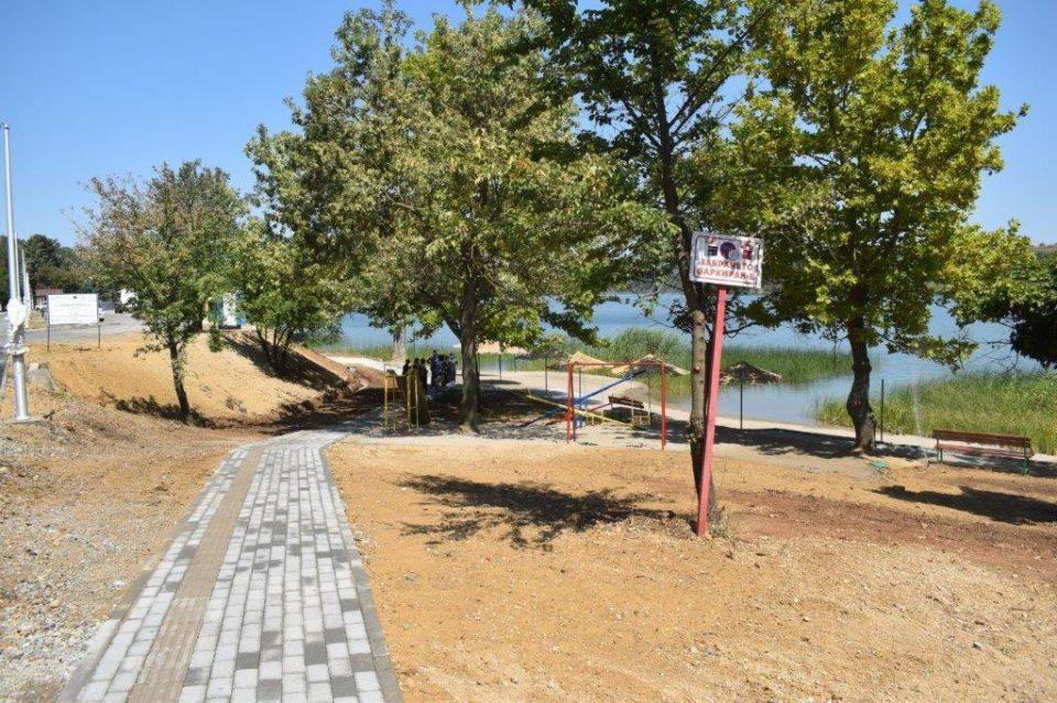 """На велешкото езеро """"Младост """" е пуштена на користење целосно реновирана плажа"""