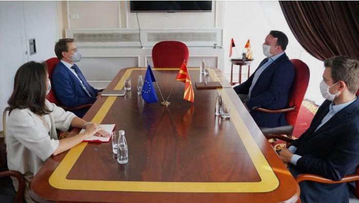 Николоски и Муцунски на средба со Жбогар: ВМРО-ДПМНЕ прави напори на составување на влада на принципиелни основи и европски вредности