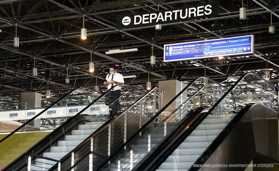 На Меѓународниот Аеродром во Скопје поставен пункт за тестирање на Ковид 19