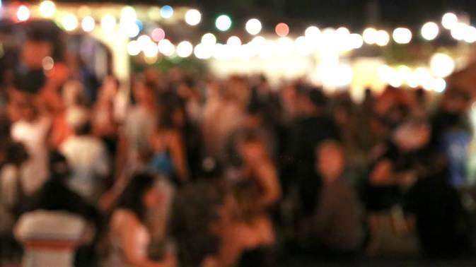 Млади организирале Ковид забави, па се обложувале кој прв ќе се зарази