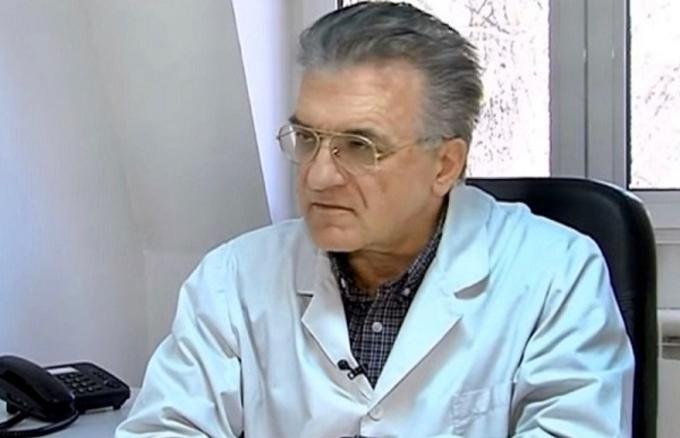 Д-р Даниловски: Потребен е полициски час од 21 часот