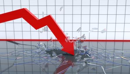 Економијата во првите шест месеци на работ на пропаст