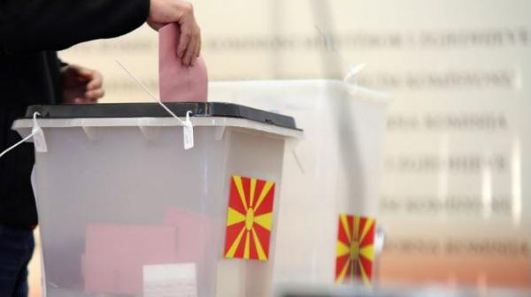 До девет часот во Дебар и Центар Жупа гласале по околу два отсто од гласачите