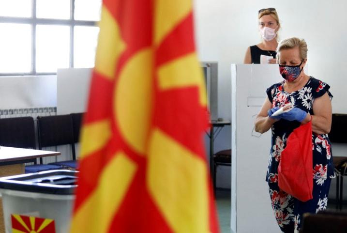 ВМРО-ДПМНЕ ќе победи со 23.1% наспроти СДСМ со 21.2% доколку има избори следната недела, покажува анкета на ИПИС