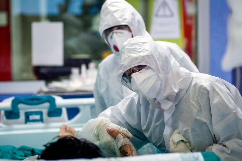 (ВИДЕО) Скандал: Голема прослава со оро и алкохол во најголемата ковид-болница во Хрватска