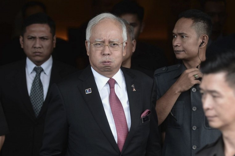 Поранешен премиер мора да исплати 400 милиони долари за даночен долг